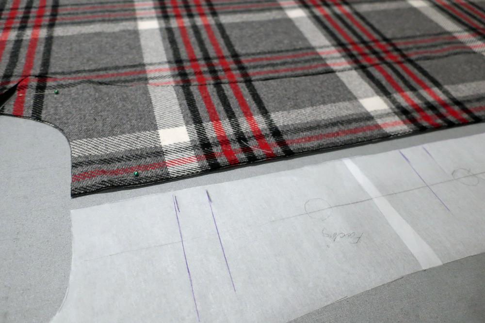 Matching plaid on facing patrones coat