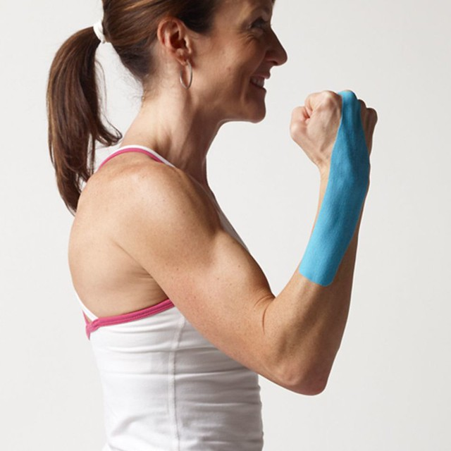 SpiderTech_Wrist Pre-Cut Kinesiology Tape_Blue Application