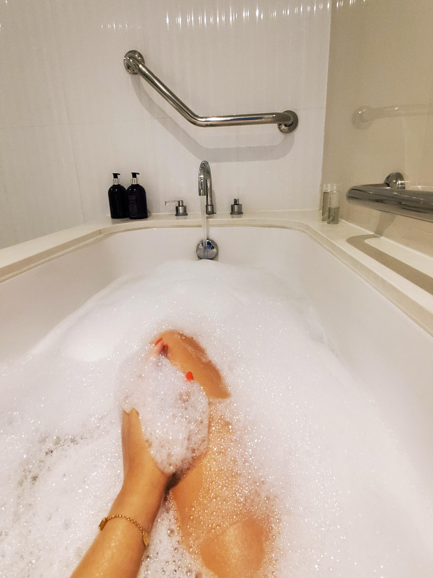 leftbanked bath