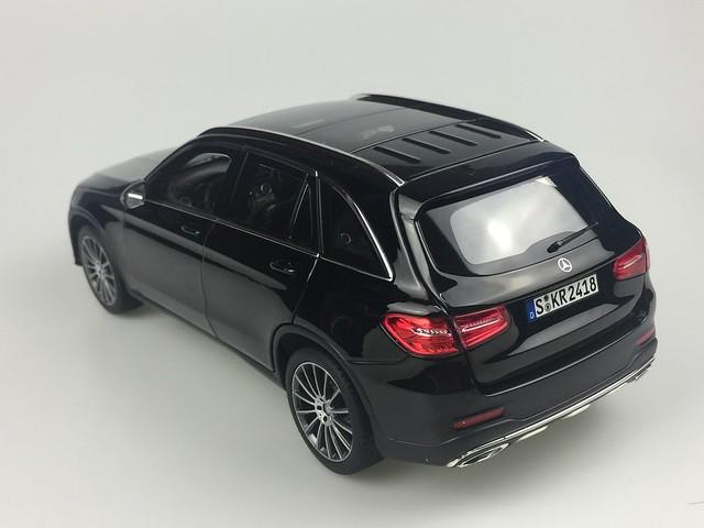 Mo hinh o to GLC Mercedes Benz 1 18 Norev xe hoi car (26)