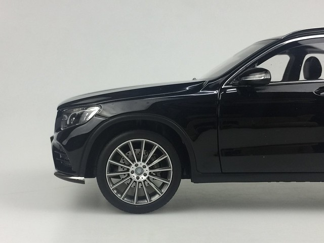 Mo hinh o to GLC Mercedes Benz 1 18 Norev xe hoi car (24)