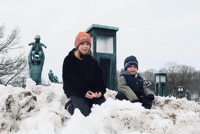 Tuva og Sondre i Frognerparken