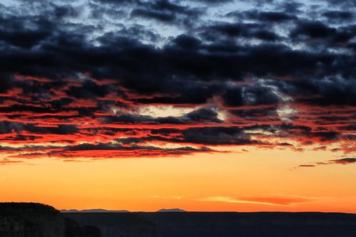 smileonsaturday clouds usa arizona grandcanyonnationalpark grandcanyon nature paysage landscape coucherdesoleil sunset nuages canonef24105mmf4lisusm canoneos6d crépuscule dusk evening soir outside extérieur