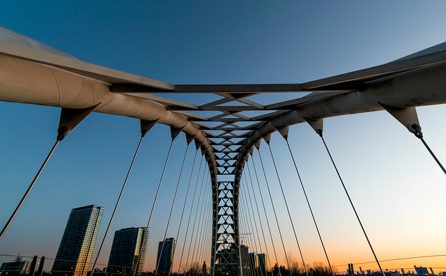 Fluted Arch Structure - 0127