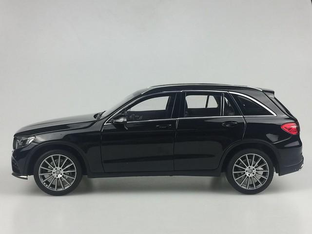 Mo hinh o to GLC Mercedes Benz 1 18 Norev xe hoi car (23)