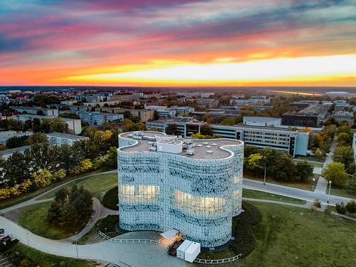 btucottbus cottbus btucs btu ikmz germany deutschland lausitz library libraries bibliothek drone dronephotography sunset architecture herzogdemeuron dji djispark modernarchitecture