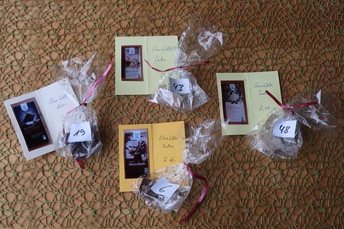 Reste der vier Schokoladen von GEPA aus dem dritten Teil der Schokoladen-Blindverkostung