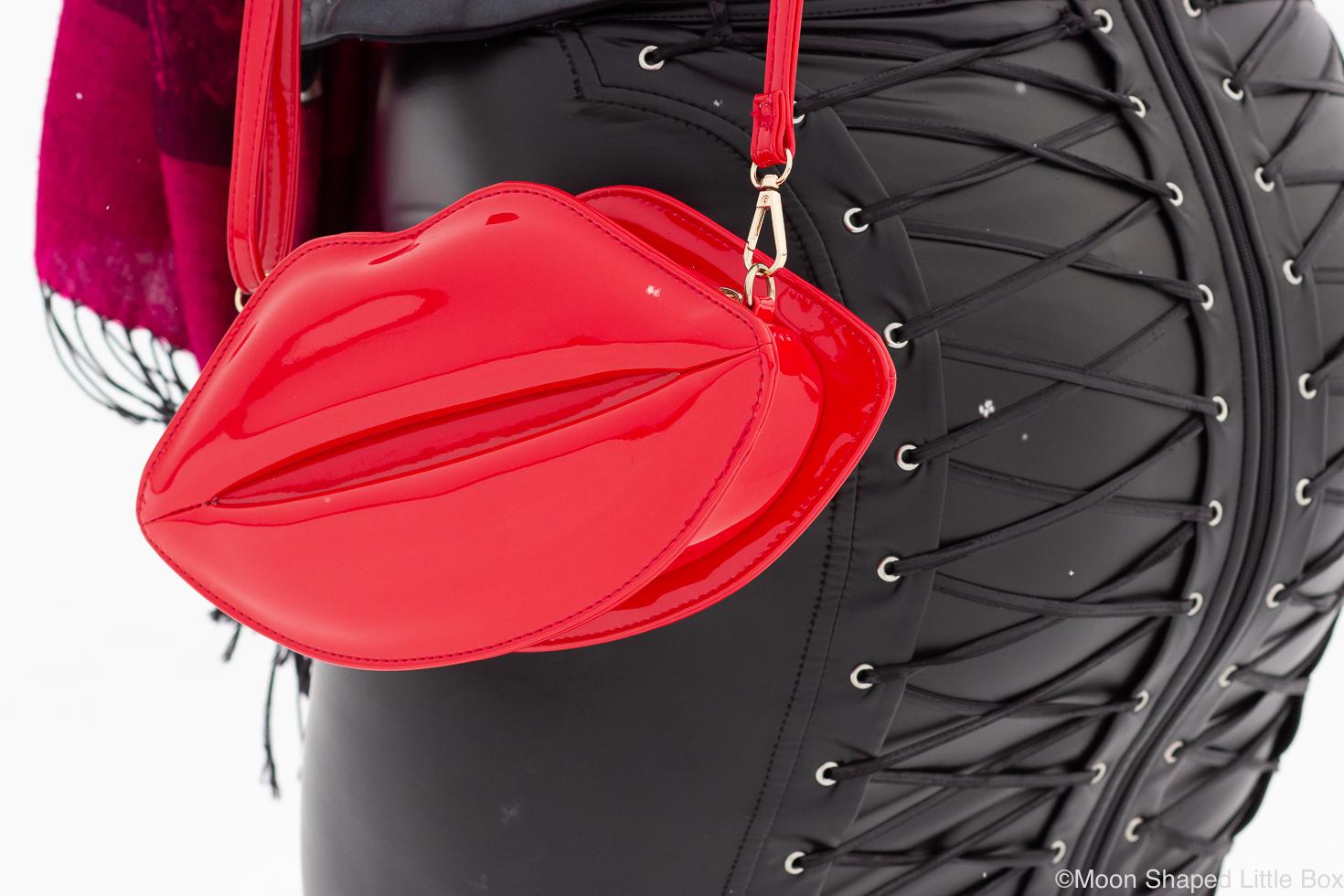 Huulilaukku-ja-nyoritys-noir-handmade