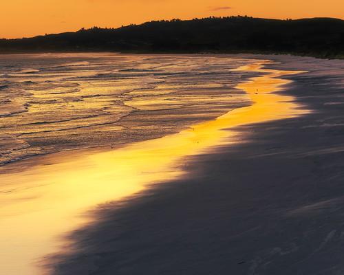 newzealand seascape beach nature evening sand surf waves nz blackhead southisland otago dunedin coastline goldenhour landscapephotography goldensand coastallandscape waldronville blackheadsurfingbeach