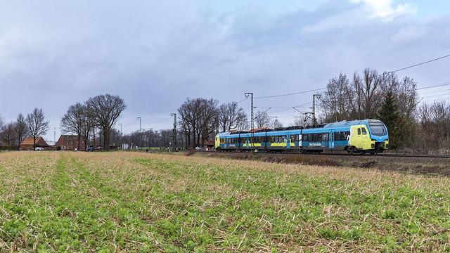 WFB ET4.05 rijdt als RE15 trein 90281.