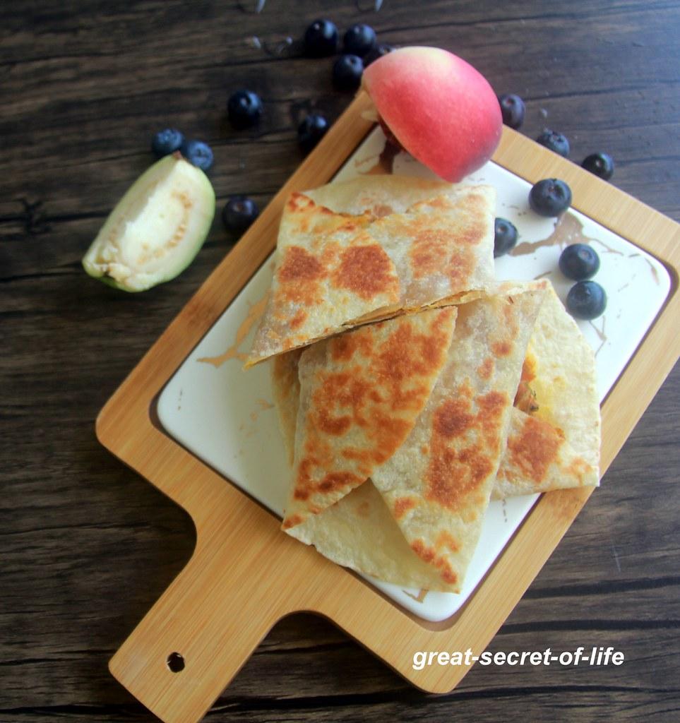 Raw jackfruit Wrap - Protein rich wrap recipe - breakfast, lunch box, snack recipe - Wrap recipes - Vegan Protein rich recipes