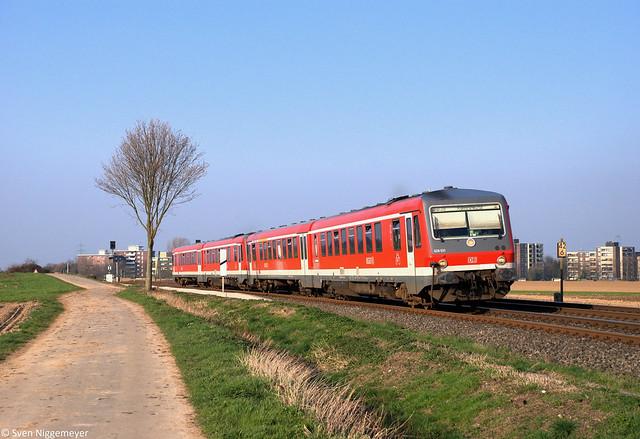 628 531 + 628 499 erreichen in Kürze als RB38 von Düsseldorf Hbf nach Köln Messe/Deutz Kapellen-Wevelinghoven am 28.03.12