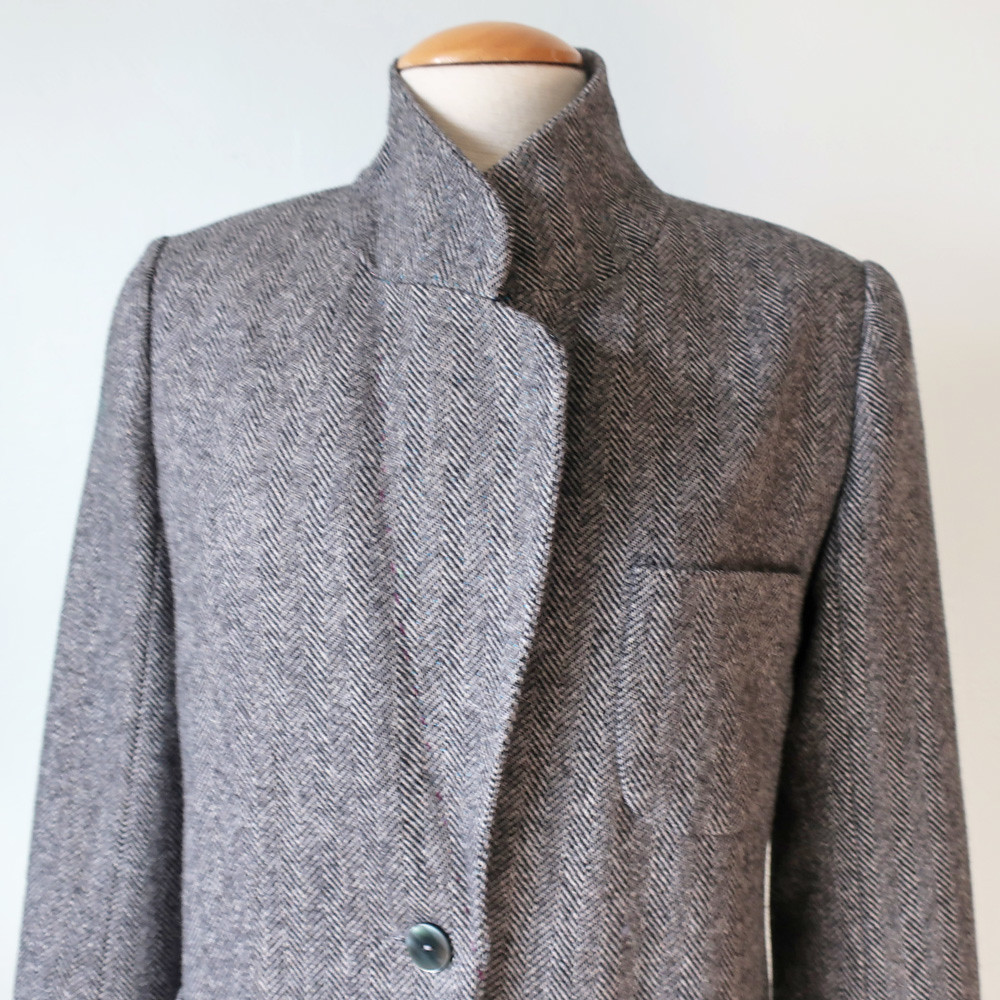 Tweed blazer back of lapel