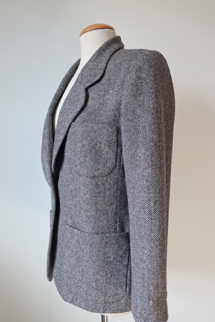 Tweed blazer sleeve side view