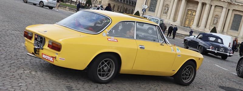 Alfa Romeo 2000 GTV Bertone jaune Francorchamps /  51036549541_1522362b23_c