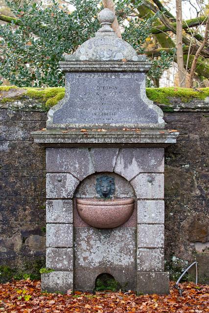 Dalginross Cemetery Drinking Fountain