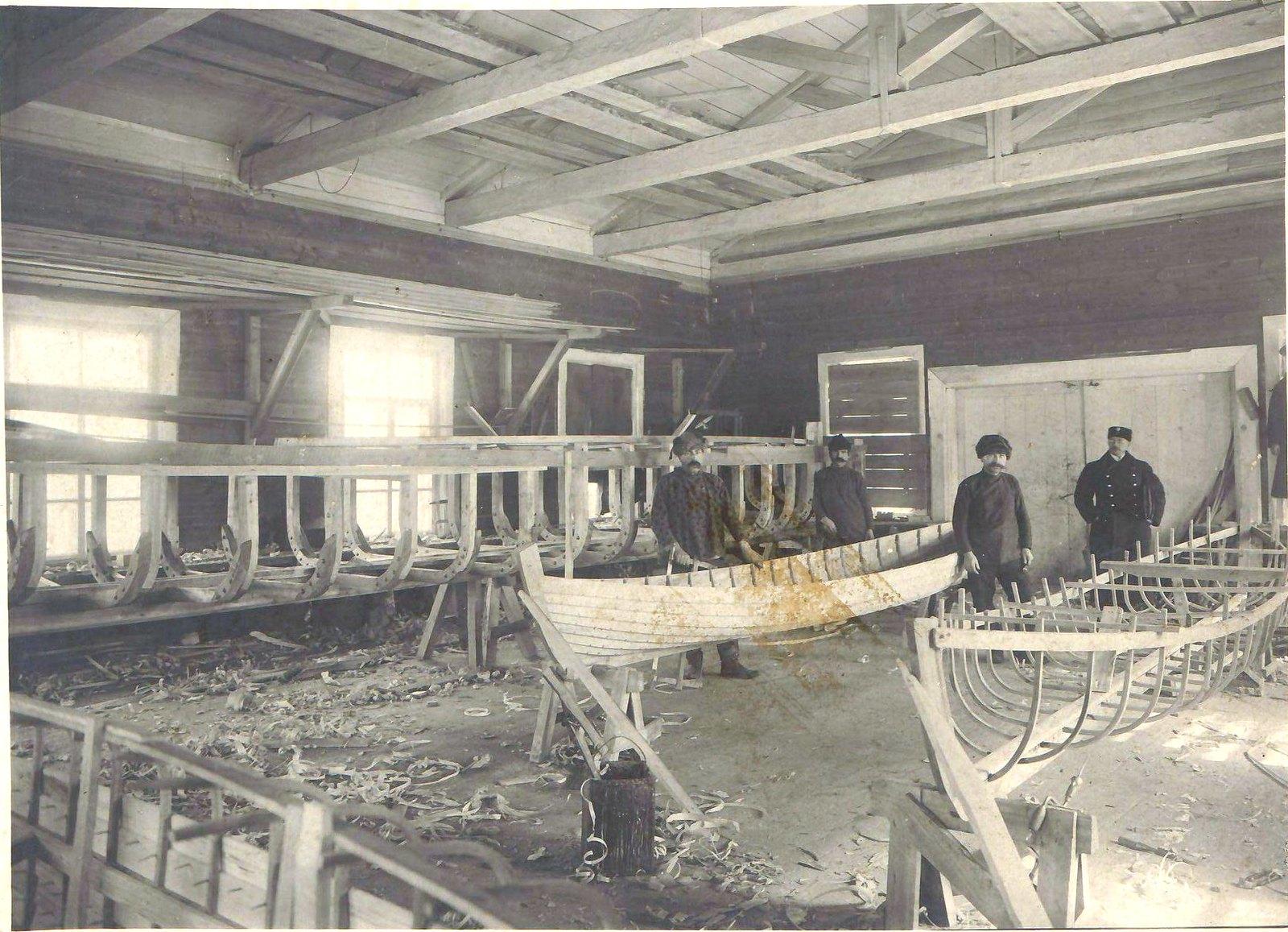186. Этапы строительства гребных судов