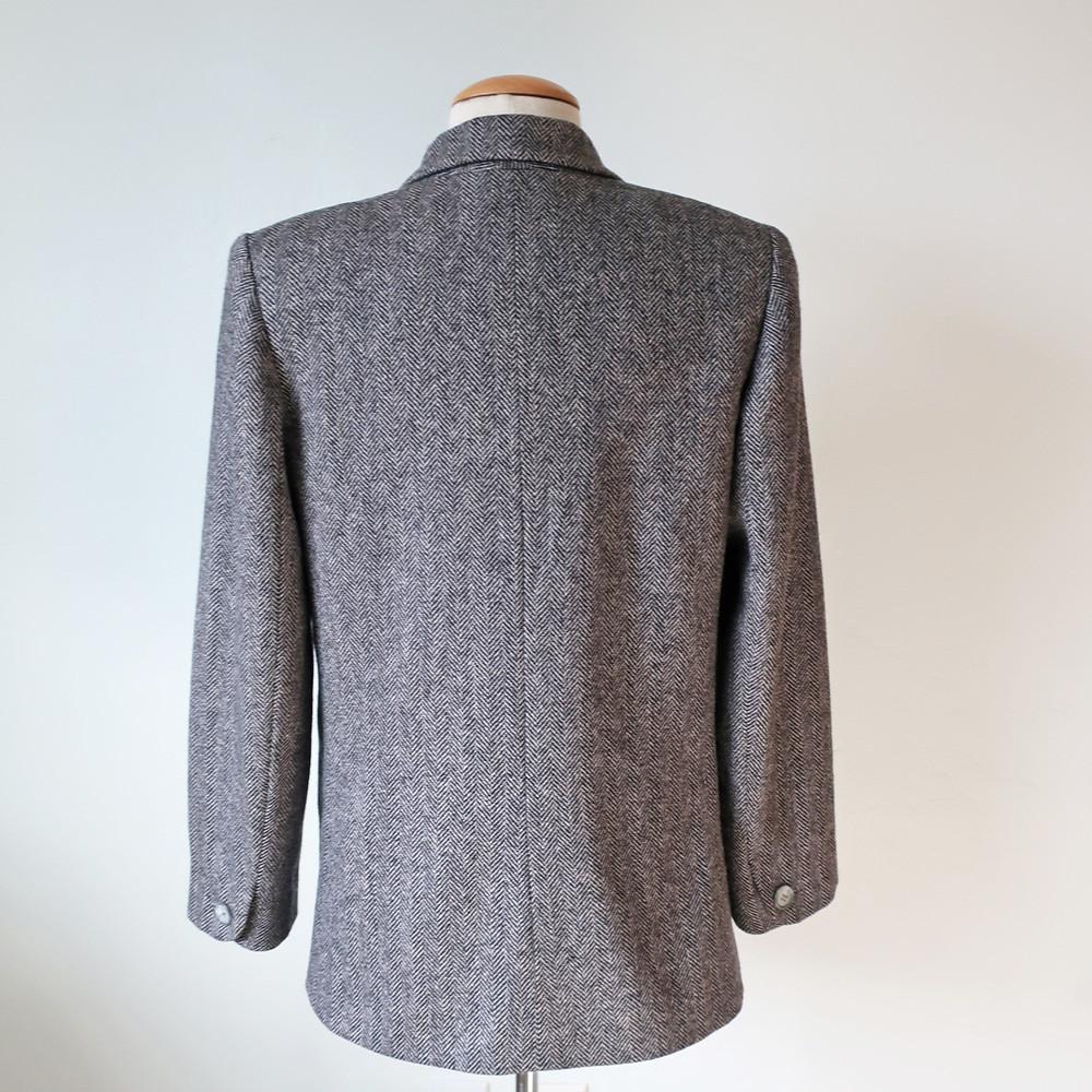 Tweed blazer back sq