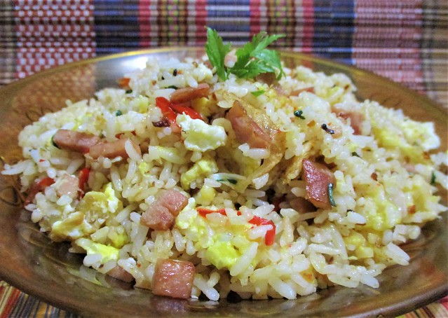 Egg fried rice with luncheon meat