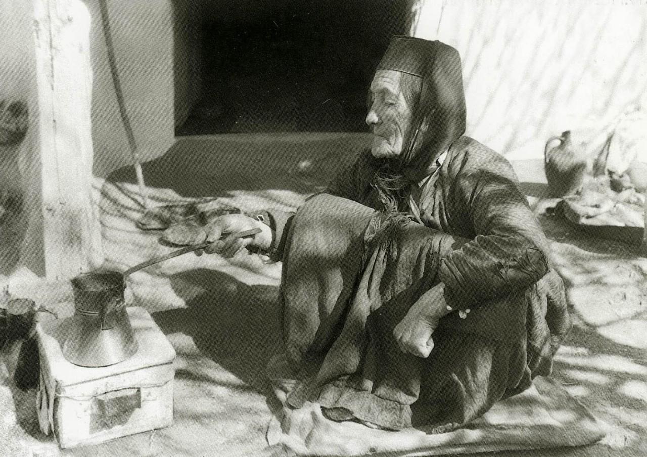 Мастерица кофе. Бахчисарай. 1920