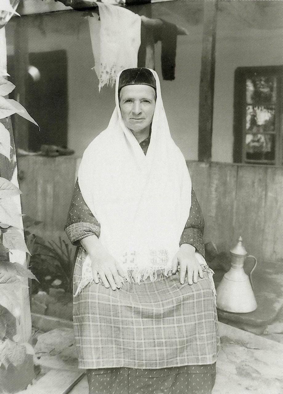 Жительница Бахчисарая. Бахчисарай. 1920
