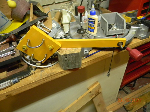 Antenna pulley assembly