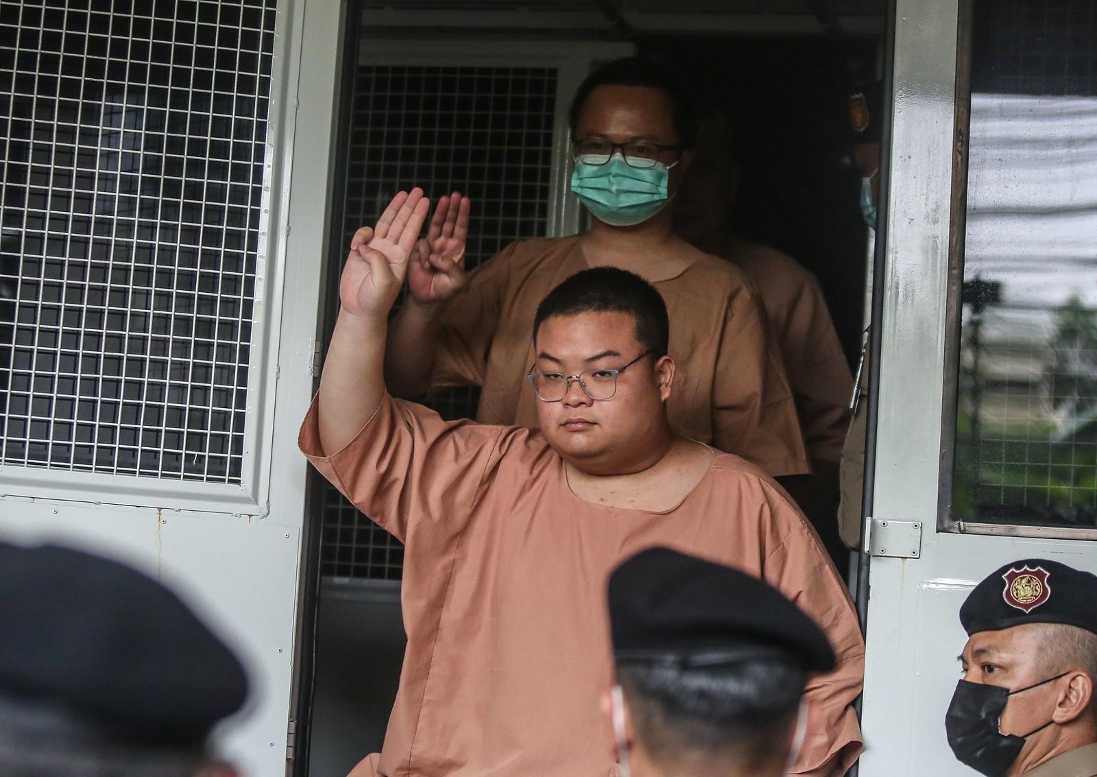 เพนกวิน' ประกาศต่อศาลอดข้าวประท้วงจนกว่าจะให้ประกัน ศาลสั่งพิจารณาลับรอบบ่าย | ประชาไท Prachatai.com