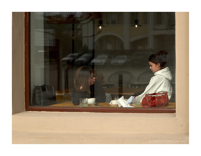 Street photography. Cafe