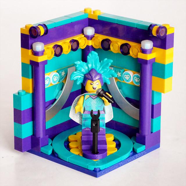 Minifigure Habitat: CMF 21 Cabaret Singer
