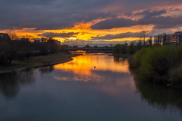 74/365 Urban Sunset - Explore