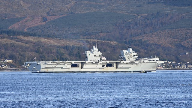 HMS QUEEN ELIZABETH .. Aircraft carrier , Firth of Clyde
