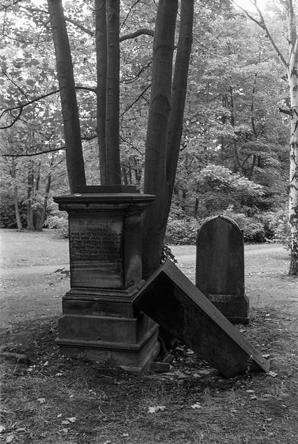 Hull General Cemetery, Spring Bank, Hull, 1989 89-8d-45