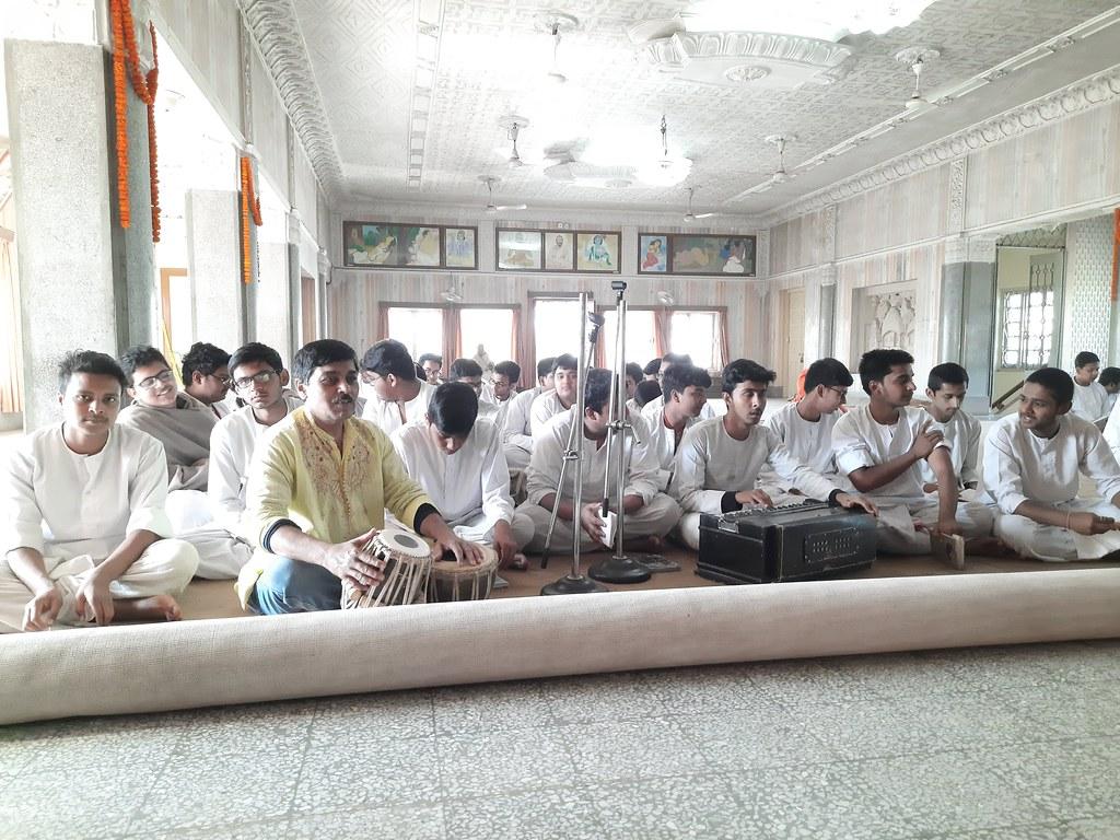 Thakur's Tithi Puja (102)