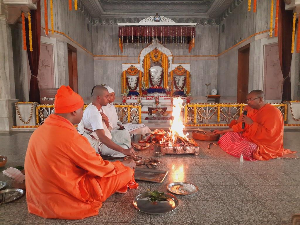 Thakur's Tithi Puja (122)