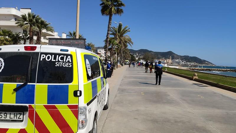 La Policía Local de Sitges sanciona 81 personas por incumplimiento de las medidas sanitarias