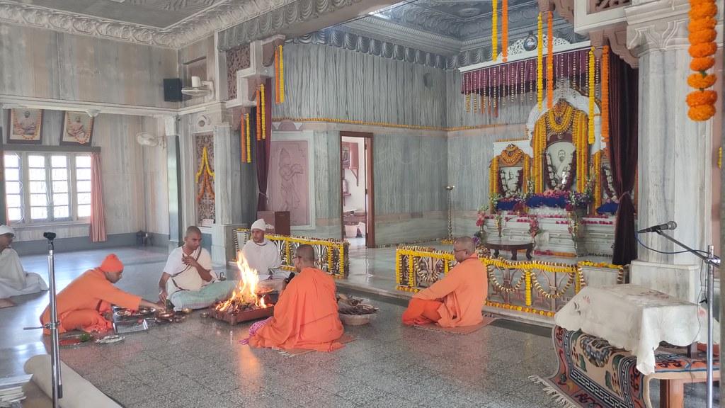 Thakur's Tithi Puja (135)
