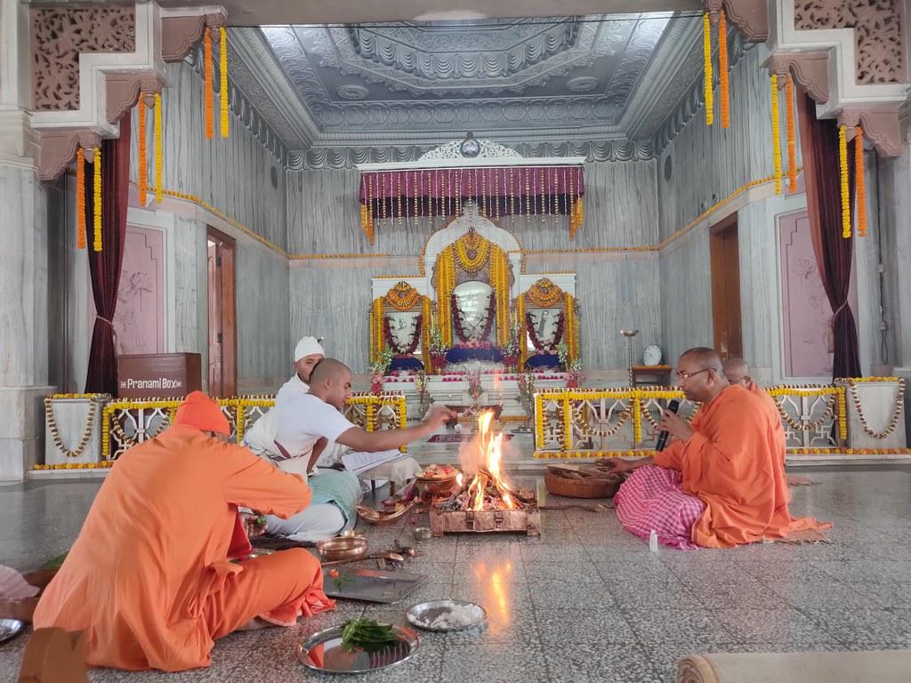 Thakur's Tithi Puja (137)