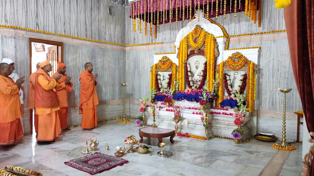 Thakur's Tithi Puja (142)
