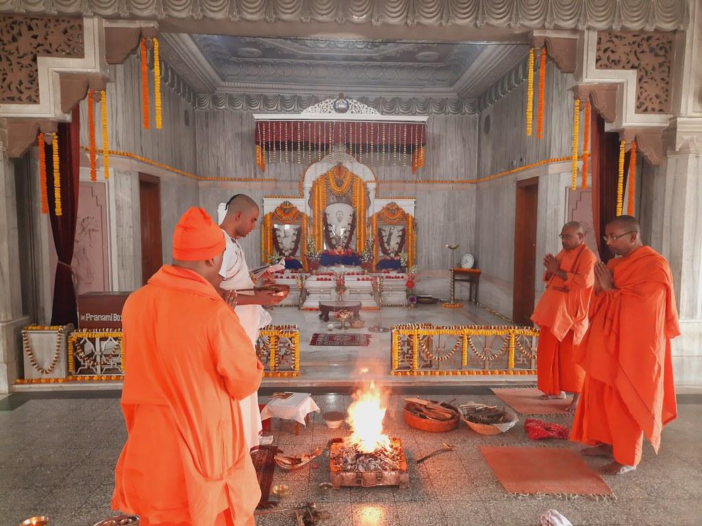 Thakur's Tithi Puja (124)