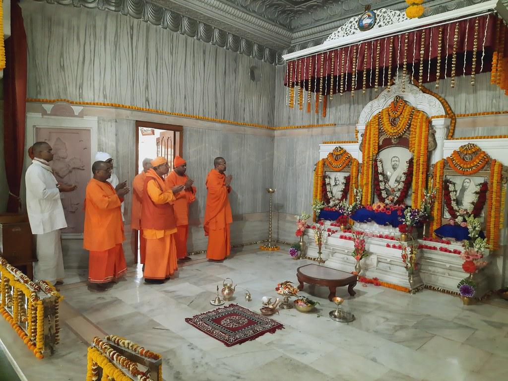 Thakur's Tithi Puja (132)