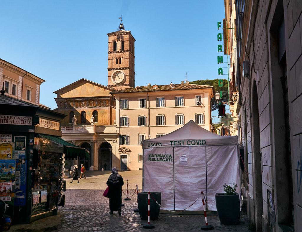 Covid-testiteltta Piazza Santa Maria di Trasteverella