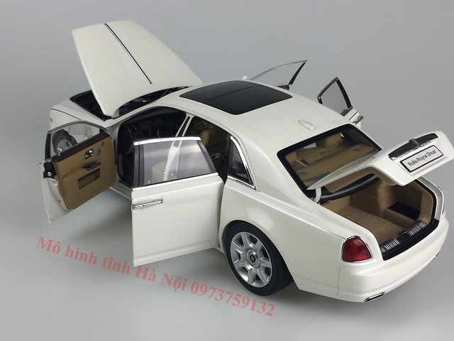 Mo hinh o to Rolls Royce Ghost 1 18 Kyosho (15)