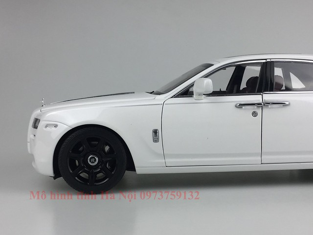 Mo hinh o to Rolls Royce Ghost 1 18 Kyosho (48)