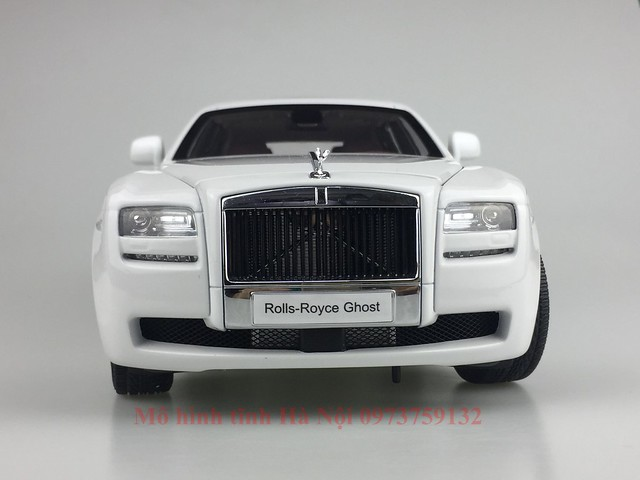 Mo hinh o to Rolls Royce Ghost 1 18 Kyosho (45)