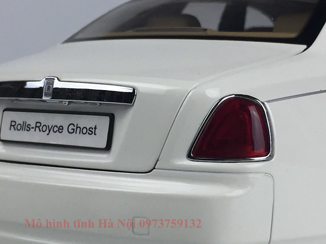 Mo hinh o to Rolls Royce Ghost 1 18 Kyosho (10)