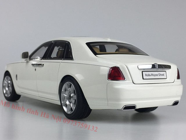 Mo hinh o to Rolls Royce Ghost 1 18 Kyosho (8)
