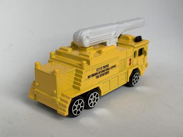 Maisto - Transit Authority - ARFF Crash Tender - Sky Harbor, Phoenix - Miniature Diecast Metal Scale Model Emergency Services Vehicle