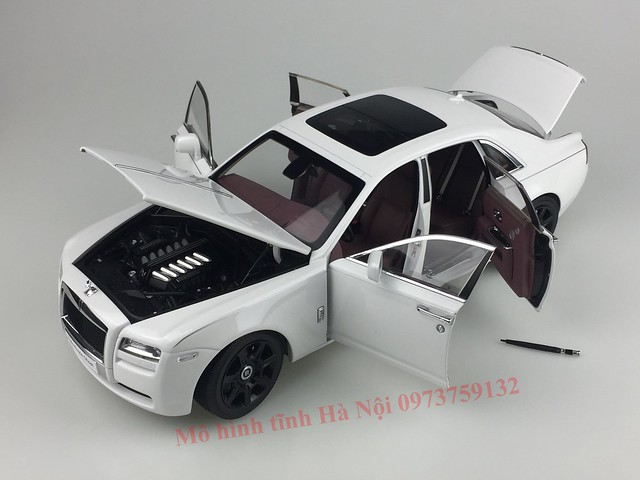 Mo hinh o to Rolls Royce Ghost 1 18 Kyosho (54)