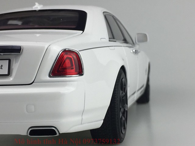 Mo hinh o to Rolls Royce Ghost 1 18 Kyosho (53)