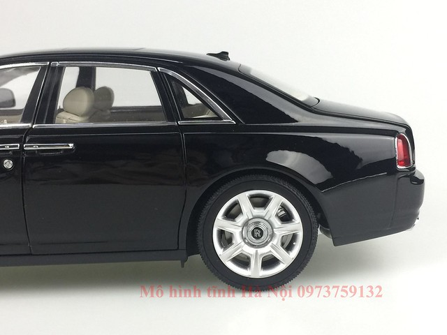 Mo hinh o to Rolls Royce Ghost 1 18 Kyosho (28)